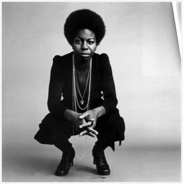 Nina Simone, Sursă foto: http://magazine.good.is/articles/remembering-nina-simone-as-a-siren-and-powerful-civil-rights-activist