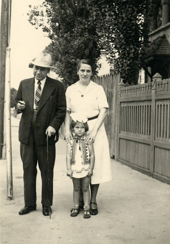 Sotii bagdasar și fiica Alexandra în 1939